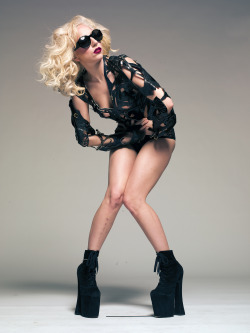 ladyxgaga:  Another new outtake taken by Tom Munro in 2009.