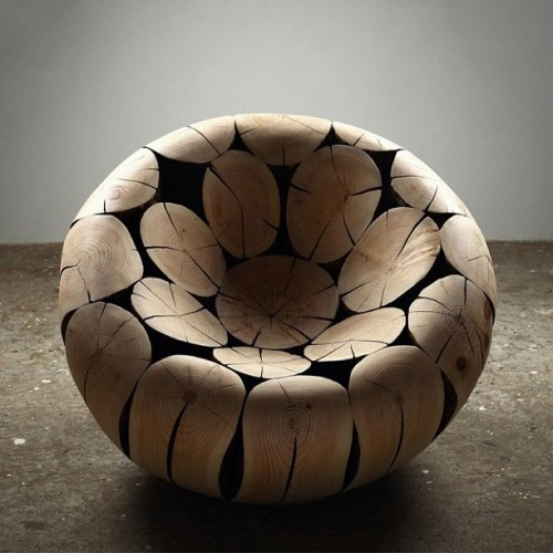 moco-loco:  MOCO'12, notable in March: a chair that was alive, still looks that way, except in a different way http://ow.ly/gp08k