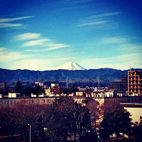 raleighrandolph:  What I wake up to every morning. #mtfuji #japan #yokota #kantolodge #yokota #mountain #volcano  (at Kanto Lodge - Yokota AB)  The days I will get to see this.