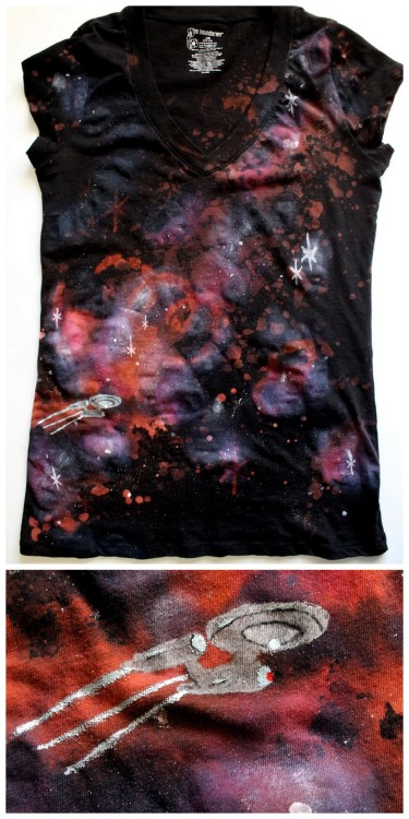 DIY Star Trek Galaxy Tee Shirt Tutorial from Punk Projects here. Wear it with your Star Trek cardstock DIY earrings I posted here. For more galaxy DIYs go here (including Nasa copyright free photos): truebluemeandyou.tumblr.com/tagged/galaxy