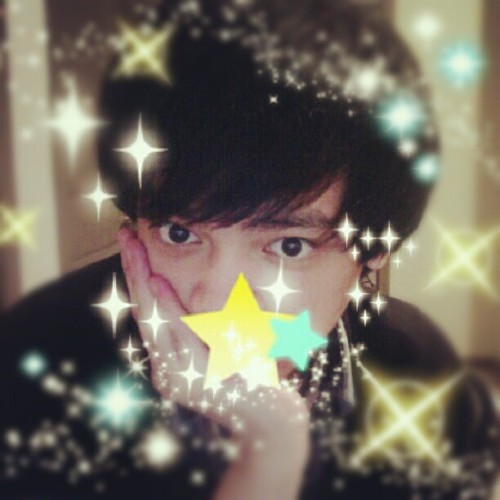 I went crazy with the sparkles on this purikura app I have.