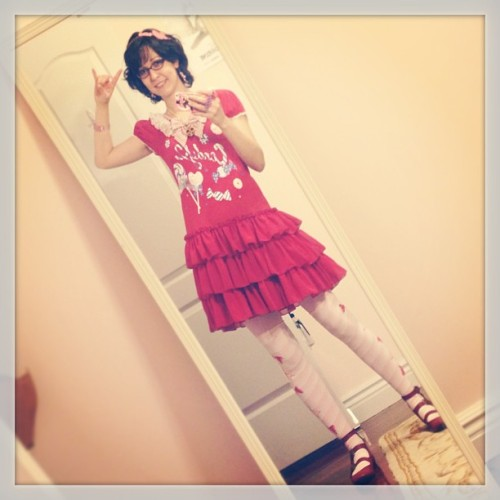 From yesterday's #kyary concert, my #ootd. The concert was great, she's super high energy and really fun. Everyone in the crowd seemed to enjoy themselves a whole lot. I've had PON PON PON stuck in my head all day. #angelicpretty #toydrops #redandpink