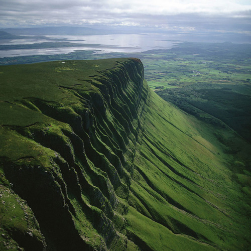 davidhennessy:  thetravelette:  Ben Bulben at County Sligo, Ireland   Not far from where I live!