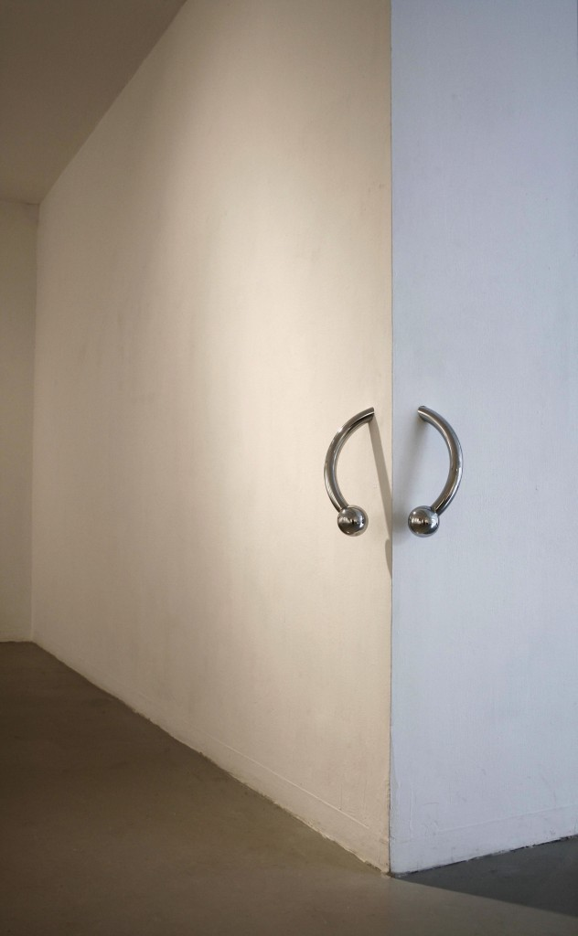 ipocrisia:  Oren Pinhassi Pircing, 2009, 37 x 37 x 37cm metal, nickel coating  even this wall has low quality body jewelry.