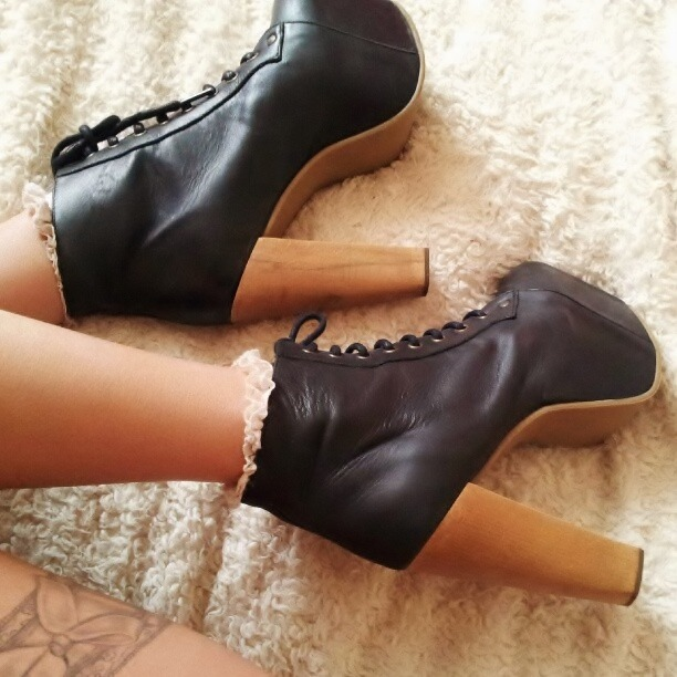 puckerupbabydoll:  Love my Jeffrey Campbells <3 Follow me on instagram - http://instagram.com/kirstydollx