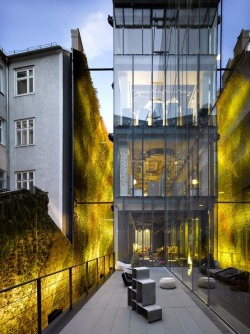 I hope to see this Sofitel Hotel when I go to Vienna this June xo S