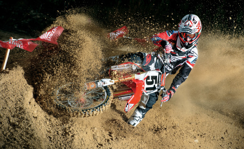 The Supercross season kicks off tomorrow in Anaheim. Here's everything you need to know: http://bit.ly/TBNdBw
