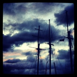 #tallship #masts #running #dawn  (at Waterfront Toronto)