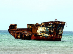 Ship Wreck…Aruba by rachphillips on Flickr.