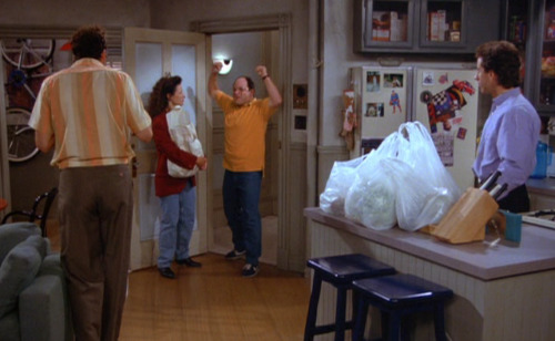 dailyseinfeld:  ELAINE: Hi George.GEORGE: I'm back, baby, I'm back! (via The Mango)