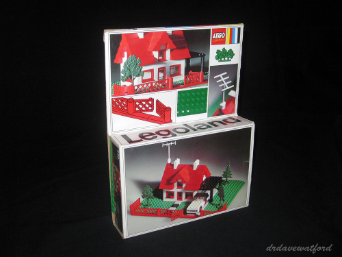 (via Vintage Toys / Love the packaging on this old Lego set from 1969. The baseplate fitted in snugly in the taller part of the box, with the pieces in the smaller bit. Very modern and minimal.)