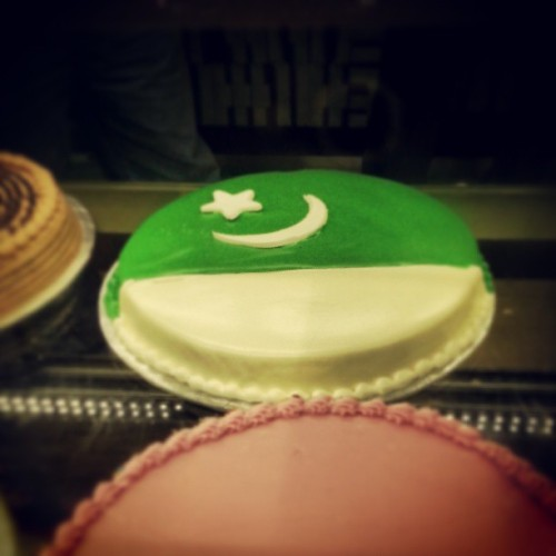 Happy #Pakistan day! #log #Islamabad #photos #events  (at Tehzeeb Bakers)