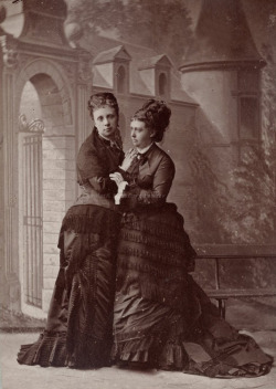 Margherita , Duchess of Madrid, with sister, Grand Duchess Alicia of Tuscany, both neé Princess of Borbon Parma. Late 1870s