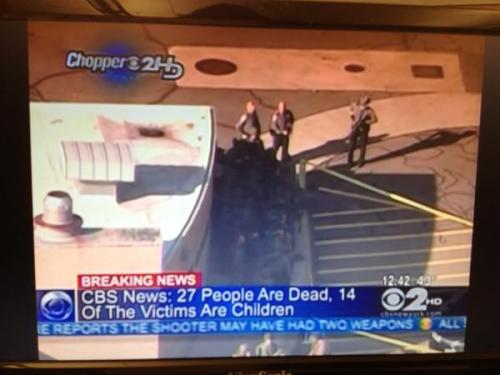 CBS News graphic reporting 27 dead including 14 children in CT shooting