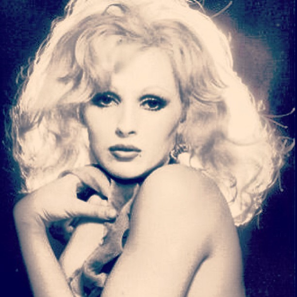 Inspiration #candydarling - I wants shoot like this ASAP… #trannie http://bit.ly/14v3z2R
