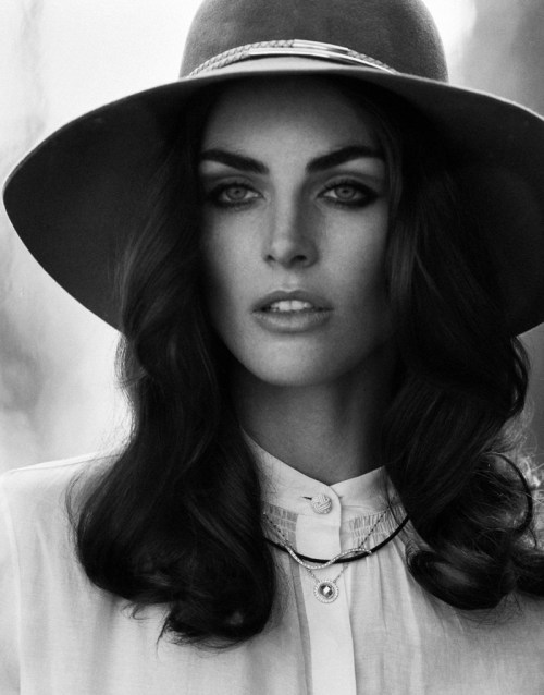 ibkodfashion:  Hilary Rhoda by Thomas Whiteside, DuJour