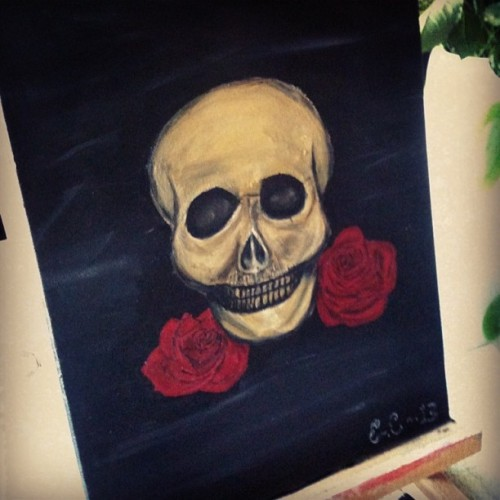 Finished piece! #painting #acrylic #acrylicpainting #art #madebyme #skull #roses #skullandroses #skullwithroses #black #akrylmålning