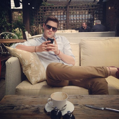 finnharries:  Having a cheeky coffee with Jacky boy.