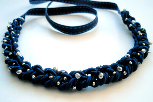truebluemeandyou:  DIY Easy Braided Satin Cord Beaded Necklace Tutorial from LYSM Design here. She uses ribbon as the closure so you don't need any special jewelry findings. *I translated the site automatically using Chrome. I've left a comment on her blog asking if she might install a google translator box on her blog (like I have on mine) because I post a lot of her DIYs.