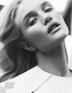 senyahearts:  Model: Rosie Huntington-Whiteley