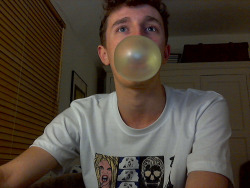 I'm pro when it comes to bubble blowing.