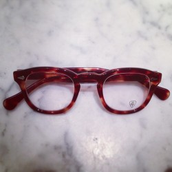Tart Arnel Honey Amber #classic #eyewear #tart #tartoptical #ote #arnel  #optical #menswear #mensstyle #fashion #instafashion #sirjacks