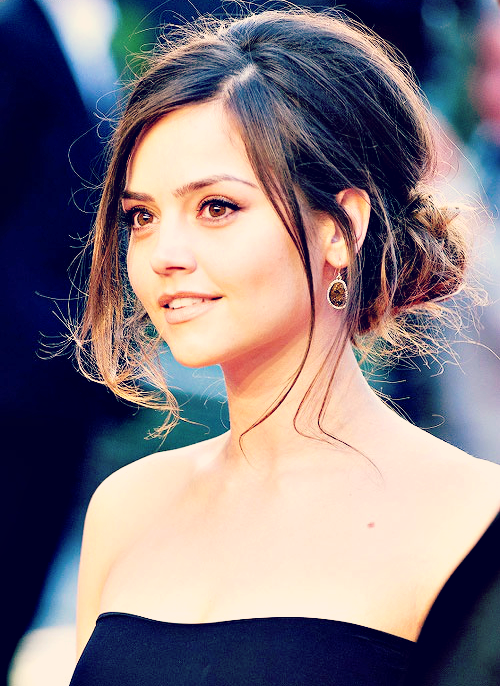3/?? beautiful people - Jenna Louise Coleman
