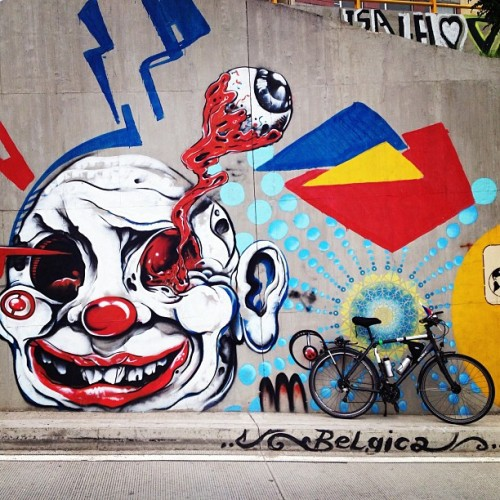 vkumov:  #letsbikeit_la #Bogota is a city of #streetart and #bicycles. #Colombia