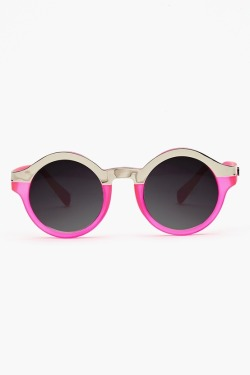 adoresque:  flowerist:  sundaylatte:  nastygal  I NEED THESE SUNNIES I BOUGHT SUNNIES YAY  ♡ follow for more bubblegum ♡