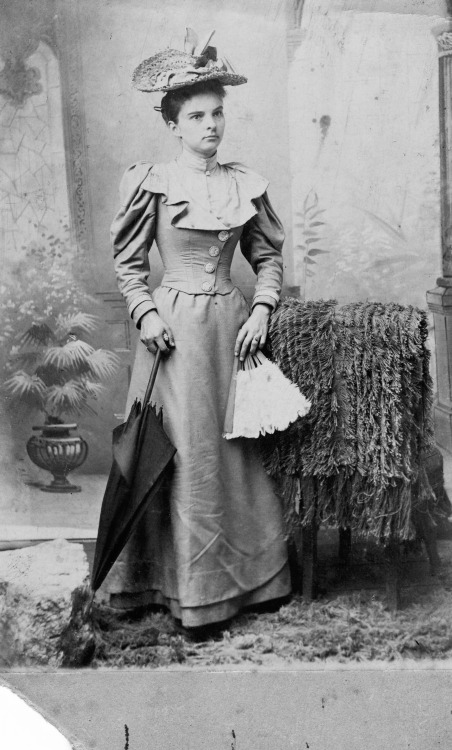 Photo of Bessie Emma Miller (1870-1931), sister-in-law of one of my great-uncles, ca 1895 US (North Carolina - Lincoln or Cabarrus County)