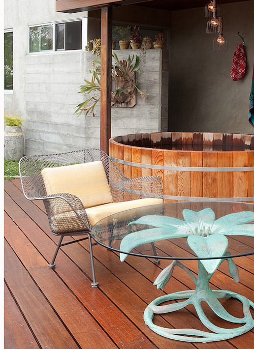 Wood-barrel style hot tub! (Design Sponge via garden porn)