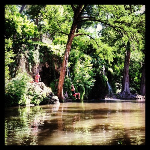 #paradise #atx #spicewood #springs #krause #swimming #foreversummer  (at Krause Springs)