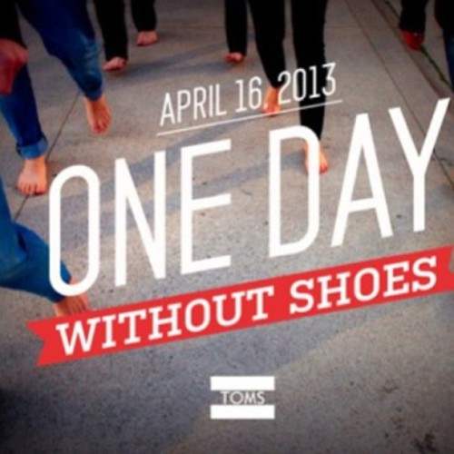 In honor of One Day Without Shoes we are giving %15 off all purchases if you come in barefoot!!! #oneforone #toms  #tomsshoes #oldefieldsclothing #fashion  (at Olde Fields)