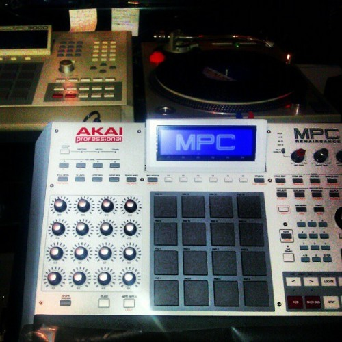 About to put in work… #Akai #MPC3000 #MPCRenaissance #HitTheCratesAndCreate