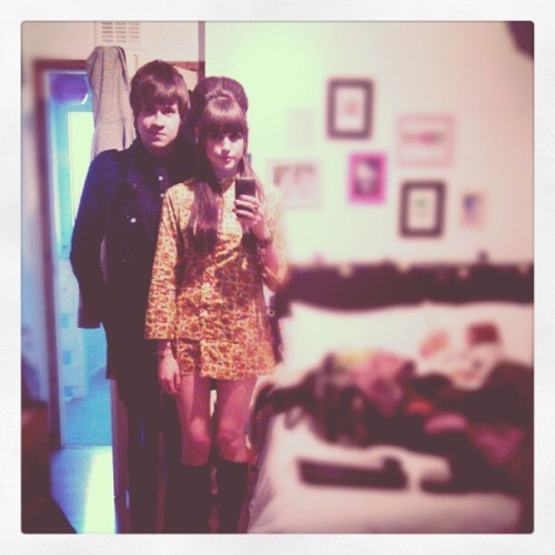 @beneficialherbs and I earlier. (in @rubberrrsoul room, heheh) #60s #paisley #psychedelic #mod #gogoboots #suede #beehive #bf #love
