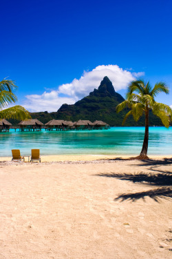 touchdisky:  Bora Bora, Tahiti, French Polynesia by HighDynamic