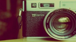 unfabulousandmore:  I love awesome cameras like this one