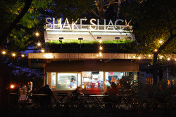 Shake Shack openning 30th. May ! But Not in a real Park :( It's Istinye Park