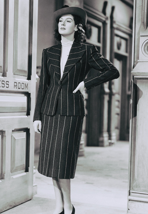 wehadfacesthen:  Rosalind Russell in a production still from His Girl Friday (Howard Hawks, 1940) via deforest