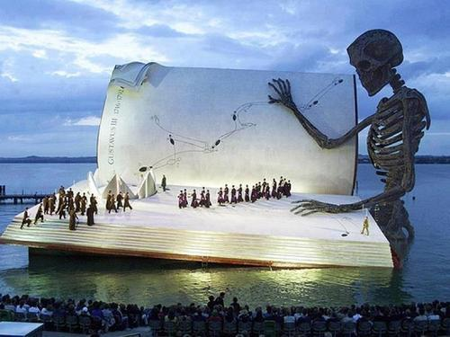 monsterdontcry:  General Knowledge: The Marvelous Floating Stage of the Bregenz Festival In Austria op We Heart It http://weheartit.com/entry/50443877/via/Hexan