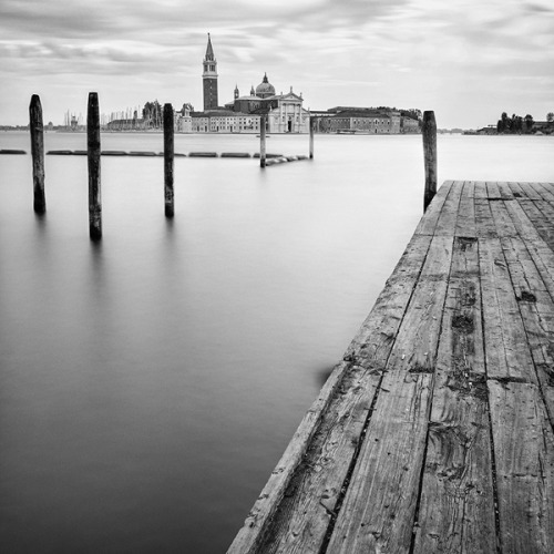black-and-white:  by Antonello Zoffoli (via Venice Long Exposure on Photography Served)