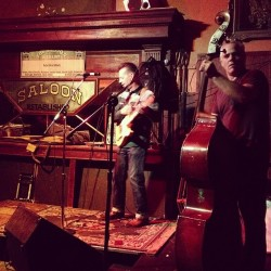 Another whiskey night at the Saloon, Northbeach SF #thesaloon#northbeach#varonandel #rocknroll #rockabilly #indierock #blues#badboy #badass  (at The Saloon)
