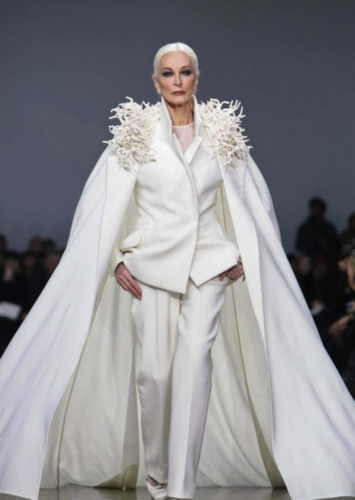 halogenic:  81 years old and still closing haute couture shows? Your blip faves could never and WILL never.