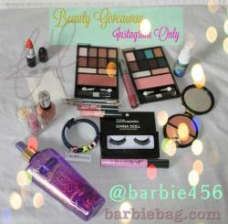 "🎀Giveaway time! 🎀Here are products included: 💄MAC lipstick in ""sounds like noise"" color 💄Two eyeshadow & blush palettes 💄bhcosmetics China Doll Eyelashes 💄Urban Decay Oil-Control setting spray 💄Elizabeth Arden Cheek colors in cheetah packaging 💄Gosh Catchy Eyes Mascara 💄Two small shiny lipglosses from Ulta 💄Revlon ColorStay Ultimate Liquid Lipstick 💄Victoria's Secret Love Spell Shimmer Mist 💄BCBGeneration Bracelet 💄Two Dual Ended Eye Liners (indigo & black) 💄Coastal Scents Pigment Powder 💄Nail Art Accents 💄Essence Colour&go nail polish in Enchanted Fairy 💄Sally Hansen Nail Polish in Choco-Latte 💄 💋💋💋💋💋requirementsto be entered in the giveaway are as follows: 1⃣Must Follow Me 2⃣Like and Repost this picture with tag @barbie456 ad hashtag #makeupgiveaway 3⃣Must be 18 Years old or have Parental Consent 🌟BONUSES: if you tag ONE friend you will get an extra entry &&& if you follow & like me on facebook ""facebook.com/barbiebagbeauty"" you will also get an extra entry on top of that! GOOD LUCK💋 😘💋INSTAGRAM LINK : http://instagram.com/barbie456#"