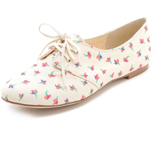 xyungmisfitx:  Splendid Nickerie Oxfords   ❤ liked on Polyvore (see more flat oxford shoes)