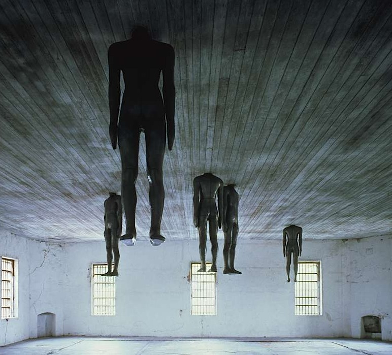 likeafieldmouse:  Antony Gormley - Learning to Think (1991)