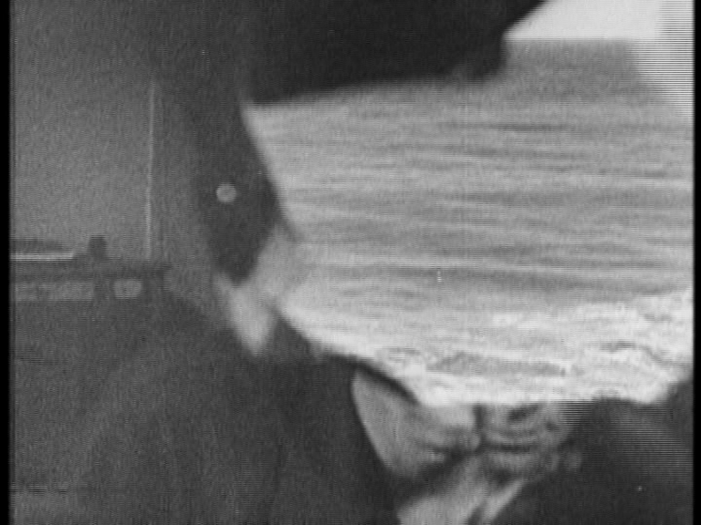 crumbargento:  Meshes of the afternoon Directed by Maya Deren & Alexander Hammid   - 1943 - USA (short film - 15 min)