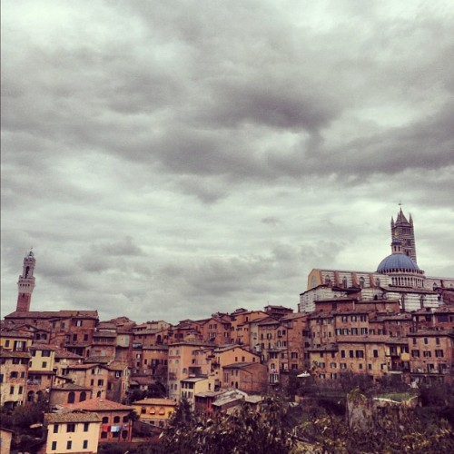 Heading back up North and passing by Siena to overcast skies and dropping temperatures