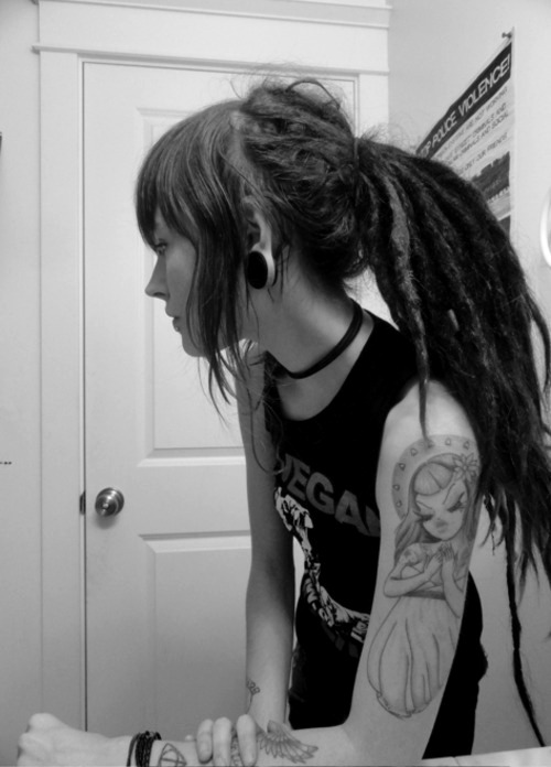 reallifezombies:  undercuts | Tumblr on We Heart It. http://weheartit.com/entry/49544594/via/LolitaLovesBlue