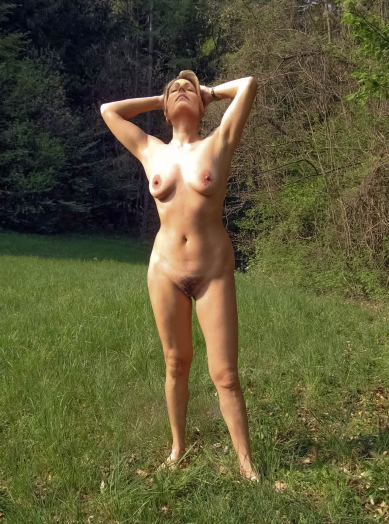Nude pic tiger wife wood